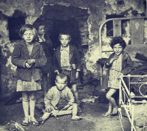 karpenisi-fasismos-meletzis-paidia